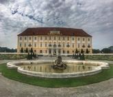 Sloss Hof, Rakúsko
