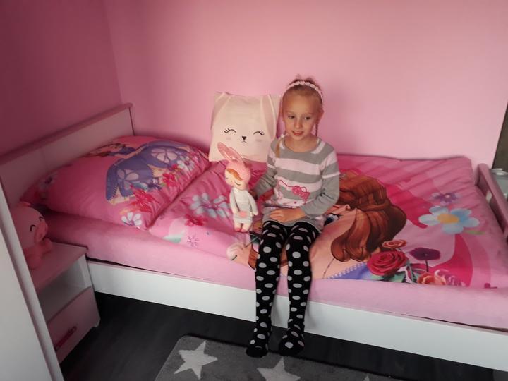 Princezna pripravena na sobotnu noc v domceku :-)