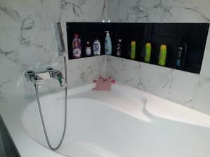 Konecne drziaky na sprchu namontovane