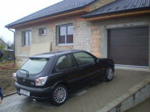 nase krasne nove okna a garazove vrata:)Jupii