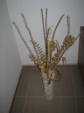 zlata dekorace-Kika, vaza-made in ja:-)