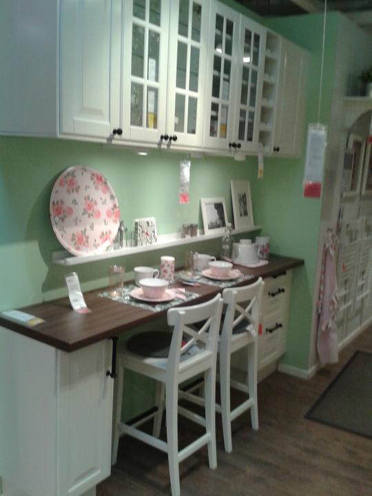 Rekonstrukce - Takto bude řešená kuchyně, ale bude červená v lesku