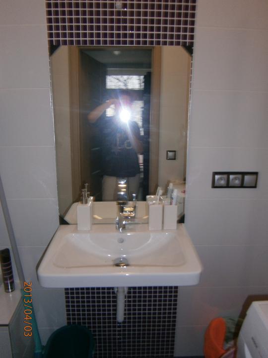 Kuchyně... Už se blíží stěhování! :-D - Ještě nepověšené zrcadlo...