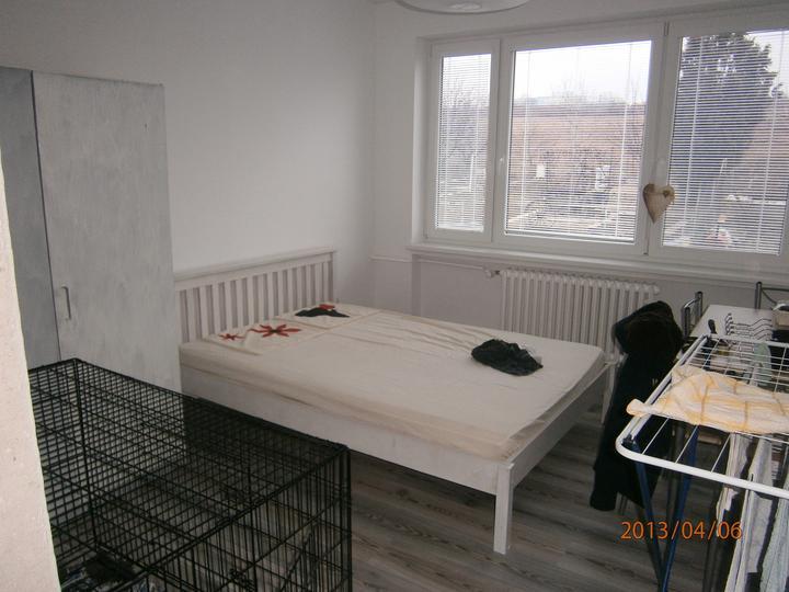 Kuchyně... Už se blíží stěhování! :-D - Dětský pokoj, zatím provizorní.... Teď je to psí pokoj....