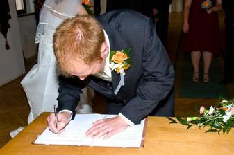 Taky podepsal