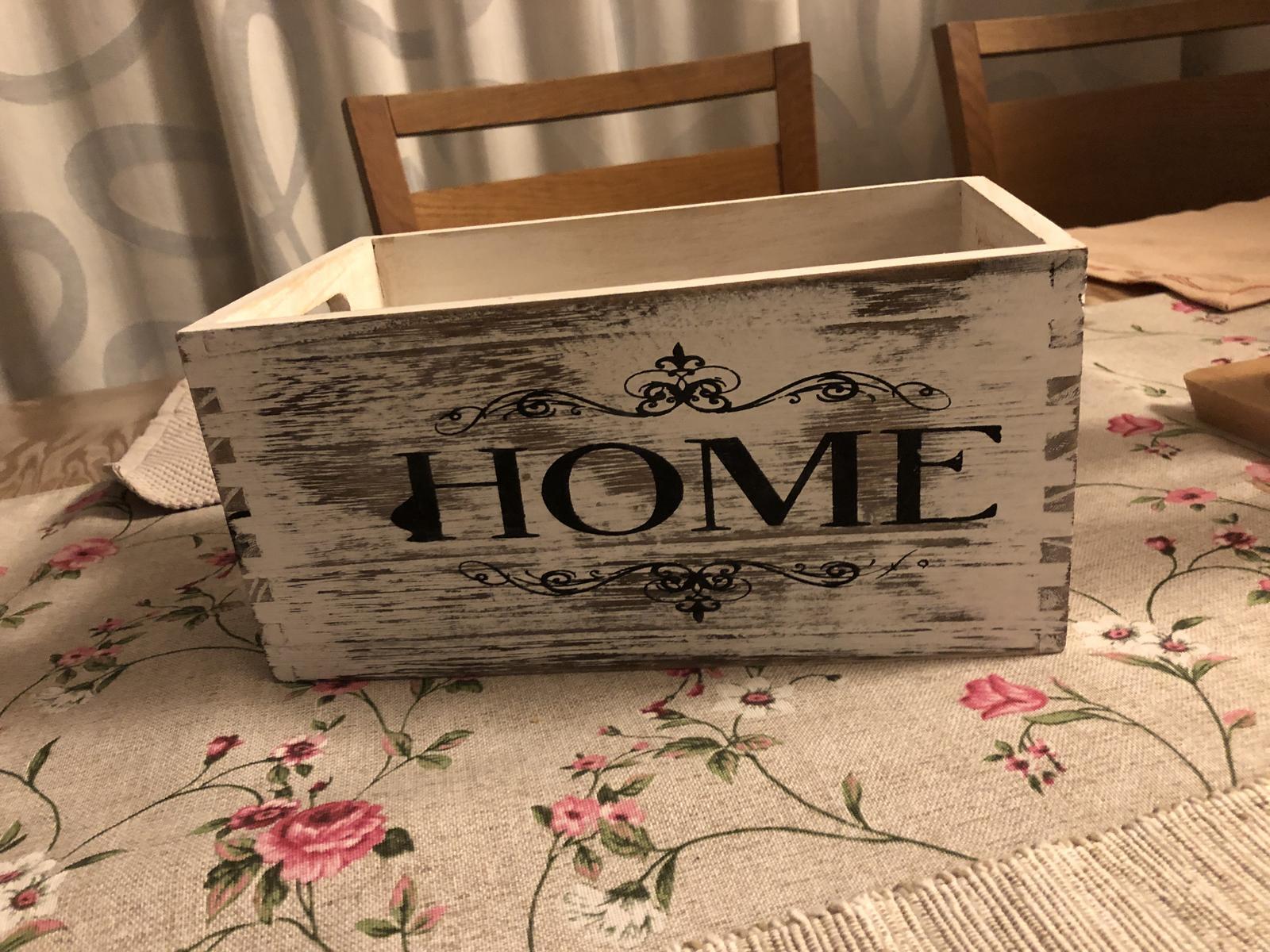 Dřevěná bedýnka Home na výzdobu - Obrázek č. 1
