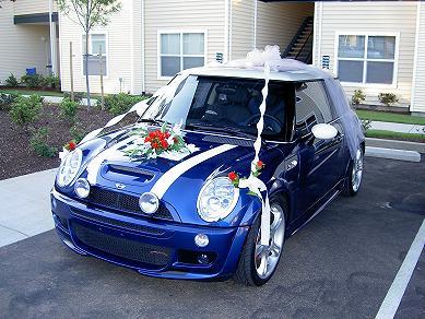 Královsky modrá pohádková svatba - YES! Půjčíme si mini na svatbu <3 http://www.invelt.com/cs/pujcovna/detail/1307?from=%2Fcs%2Fpujcovna%2F