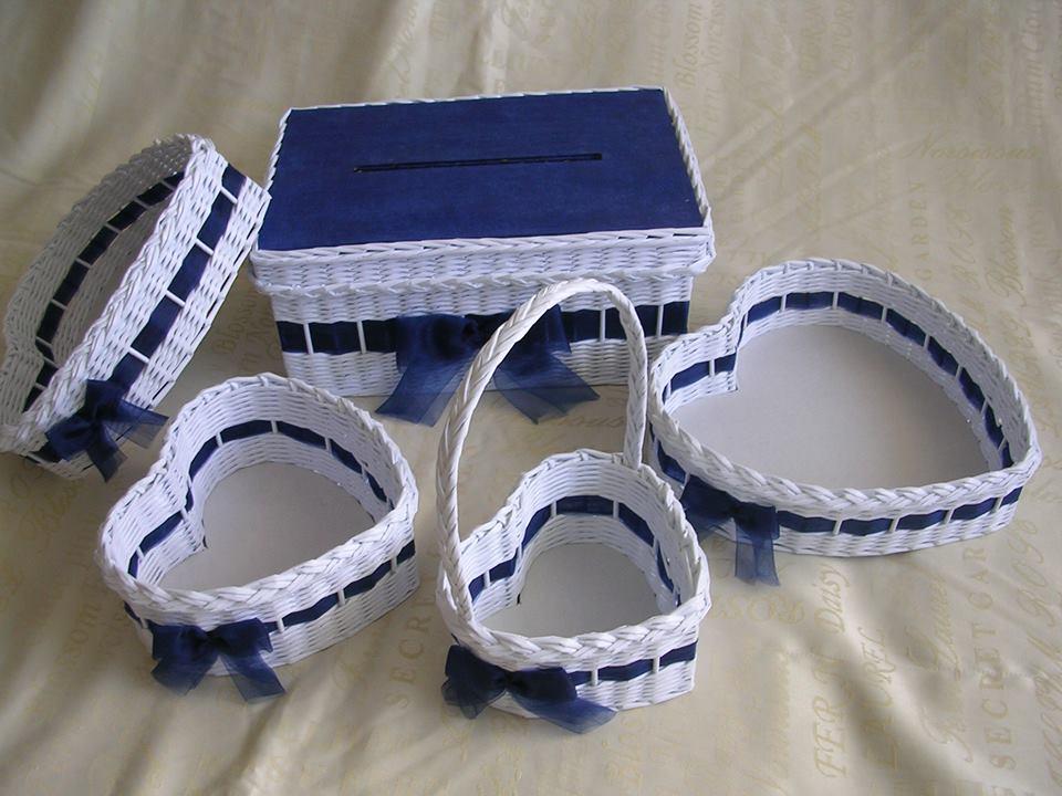 Královsky modrá pohádková svatba - Bude jen krabička na přání  a 2x srdíčkový košík s uchem