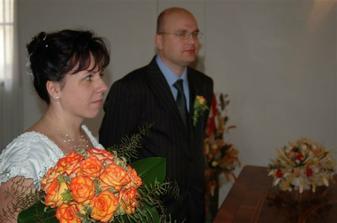 Poctivě posloucháme příkazy paní matrikářky