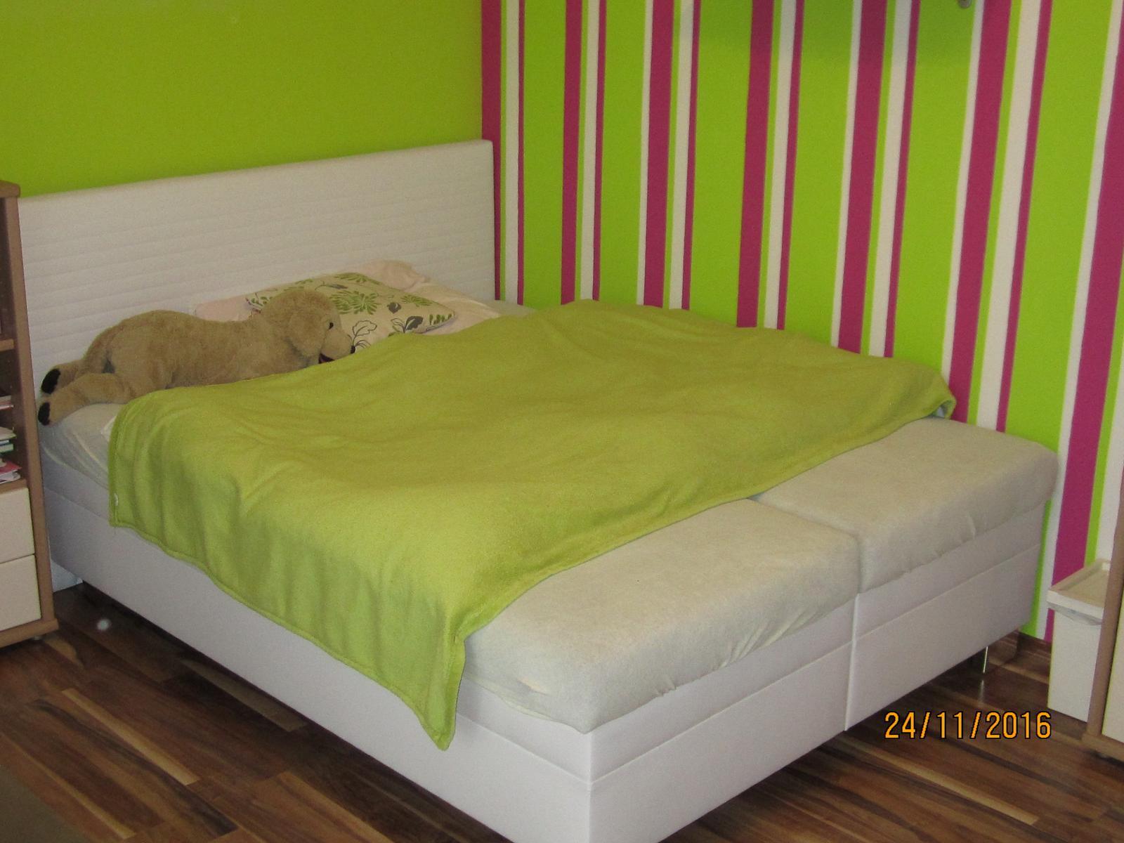 Detska - studentska izba - a nase baby  maju  nove leháro :)   polohovatelne rošty  ako bonus k pozeraniu telky :) do buducna  vyuziju skor tuto postel uz ...