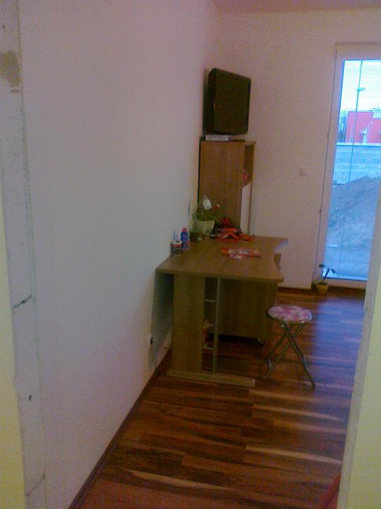 Detska - studentska izba - Pohlad od vstupnych dverii.....o nicom :(