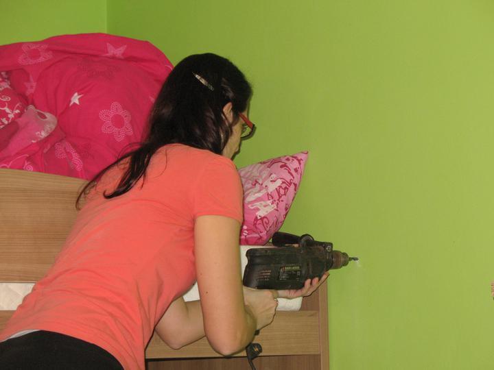 Detska - studentska izba - vrtame... :) ide to samozrejme lahucko do ytongu :)