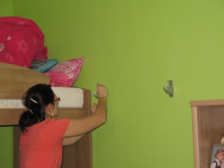 Detska - studentska izba - Nasrobovane  do steny, hotovo :)