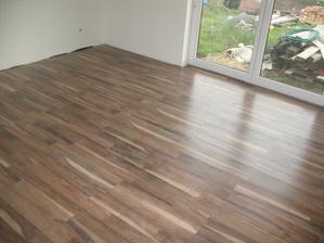 podlaha v spalni a detskej polozena:) orech Venosta, Classen