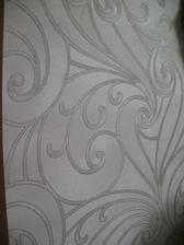 detail na peleťovy povrch a strieborny ligot :) moja slabosť :)  ( inak je biela, nie siva)