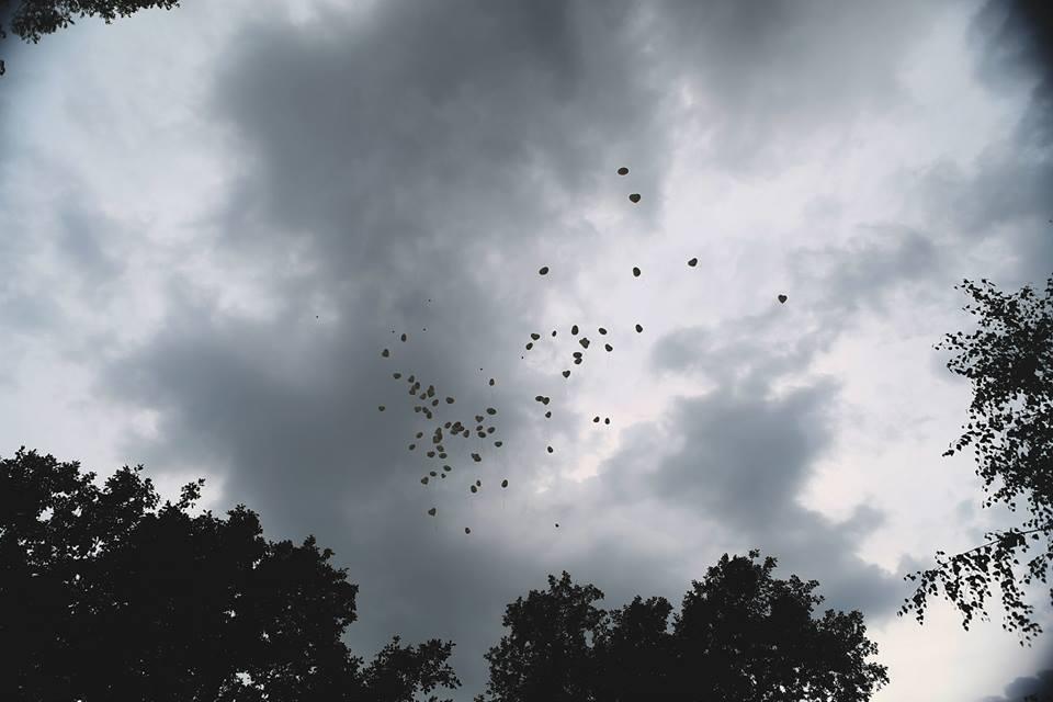 Michaela Papanek{{_AND_}}Juraj Papanek - 100 balónov v tvare srdca sme spoločne vypustili s našimi prianiami