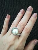 Strieborný perlový prsteň,
