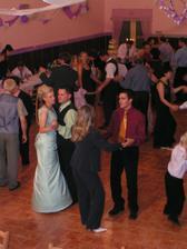 stále iba tancovali