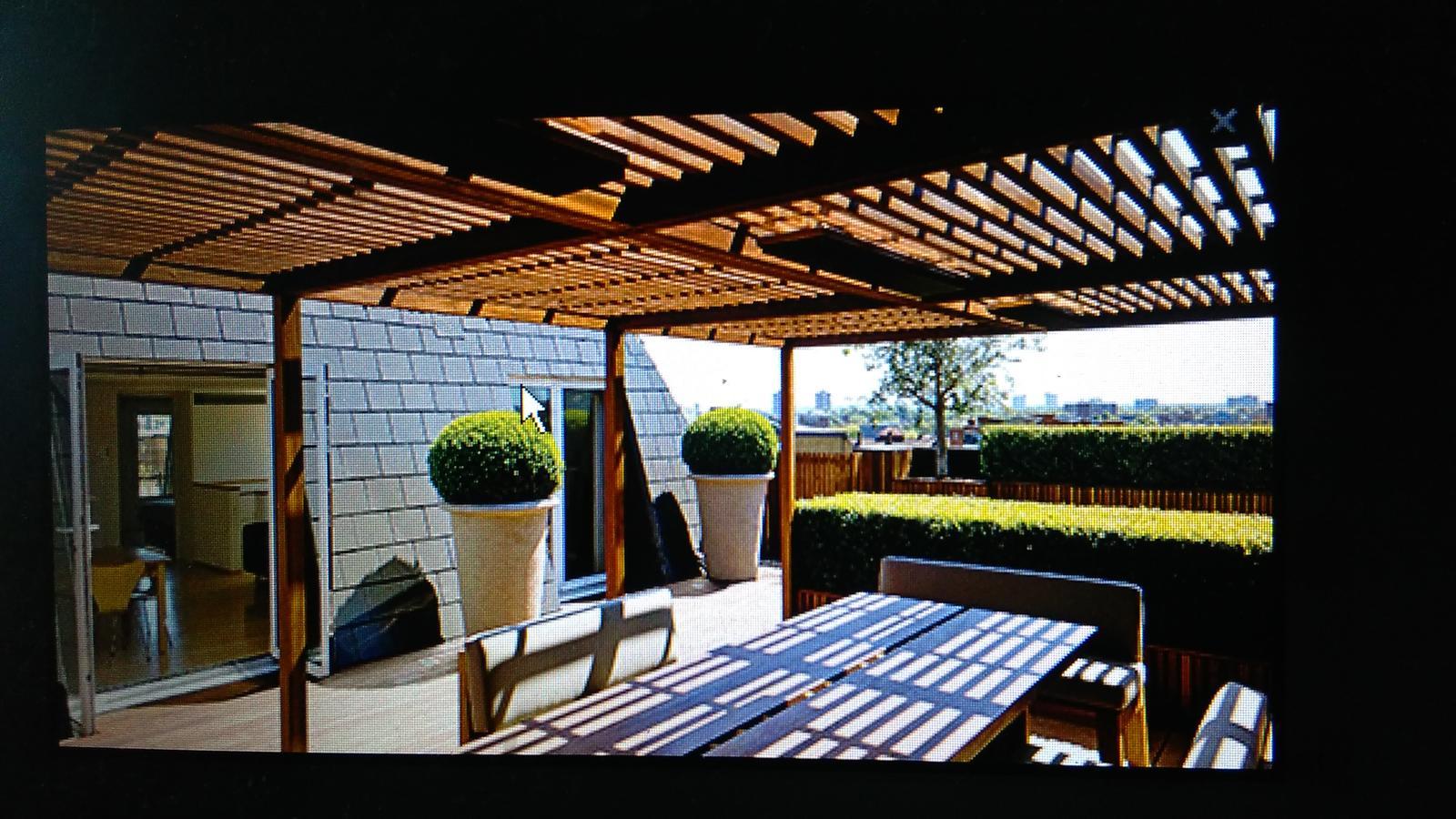 Realizace ,které mě zaujaly a čerpu z nich inspiraci - moje představa naší střechy na pergole