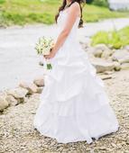 Pekné svadobné šaty, 38