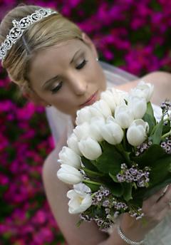 Horucka sobotnajsej noci 05.05.2007 - biele tulipany a nezabudky