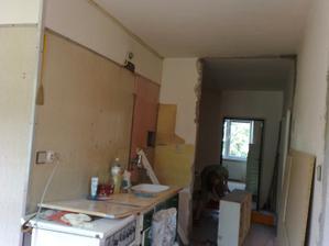 Rozoberanie starej kuchyne.