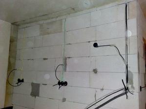 Nová elektrika v kuchyni.