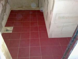 Skúška na nečisto - kladenie podlahy.