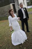 Svadobné šaty a bolerko, 38
