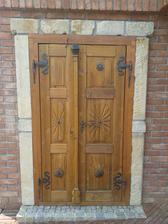 Dvere zo spálne na terasu