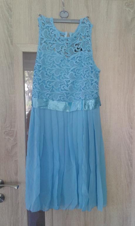 Šaty s krajkou - Obrázek č. 1