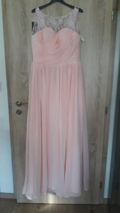 Dlouhé šaty - Obrázek č. 1