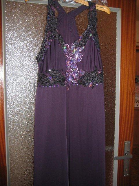 Náš veľký deň bude 9.mája 2009 - Šaty na prezlečenie