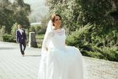 Svadobné šaty a závoj priamo od Natasha Azaryi, 36
