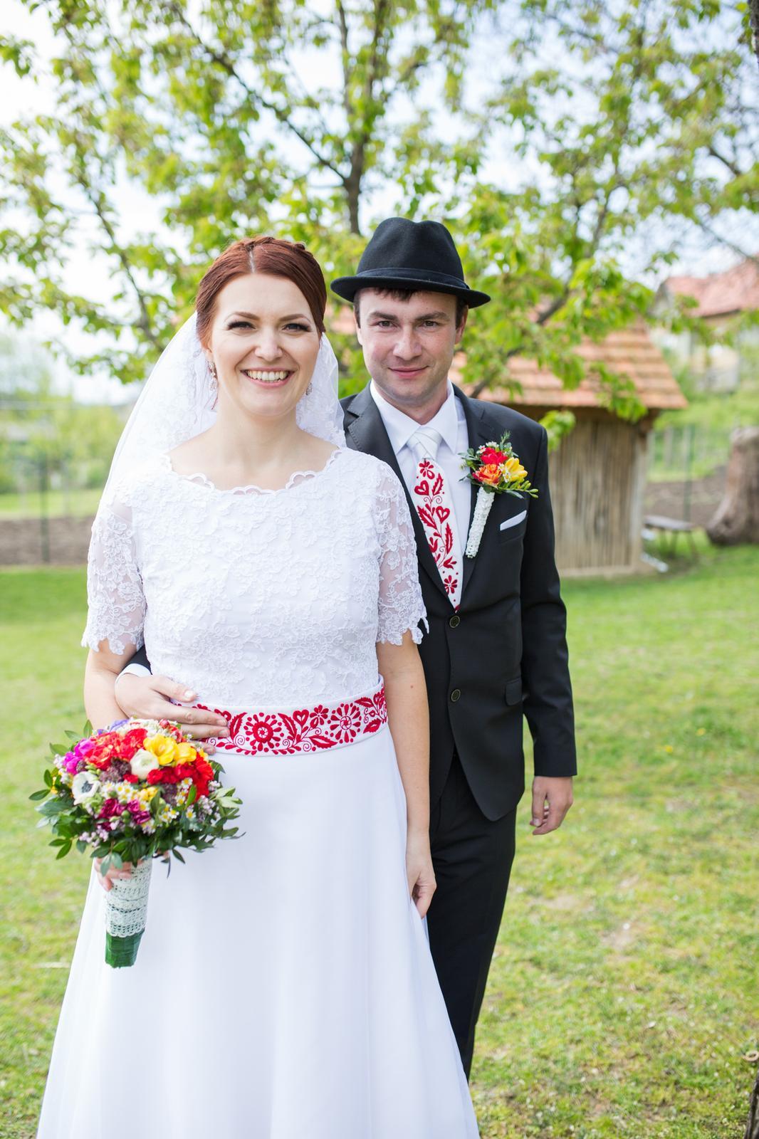 Folklórne šaty - Obrázok č. 1