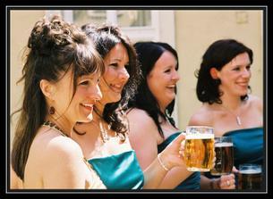 angličankám pivo moc chutná :-)