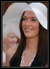 kráska v klobouku