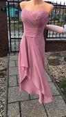 Dlouhé společenské šaty, 38