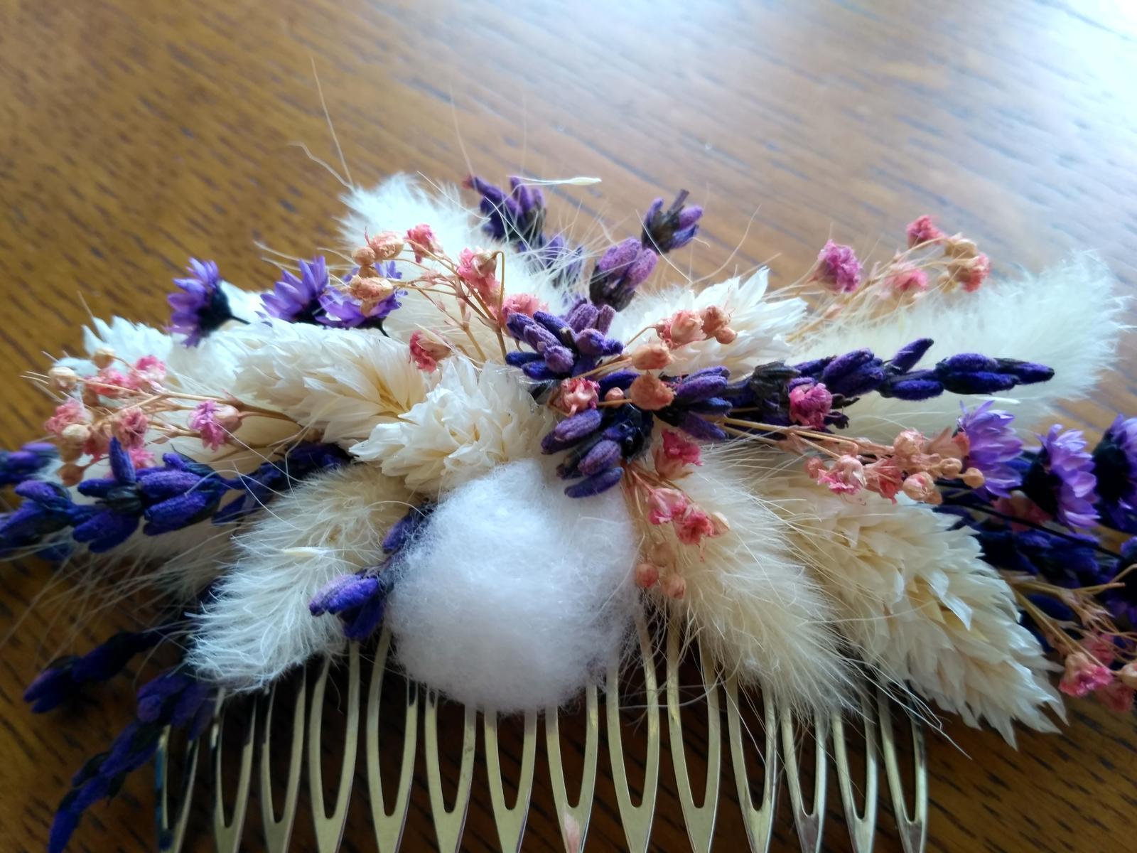 Květinový hřebínek do vlasů - Obrázek č. 1