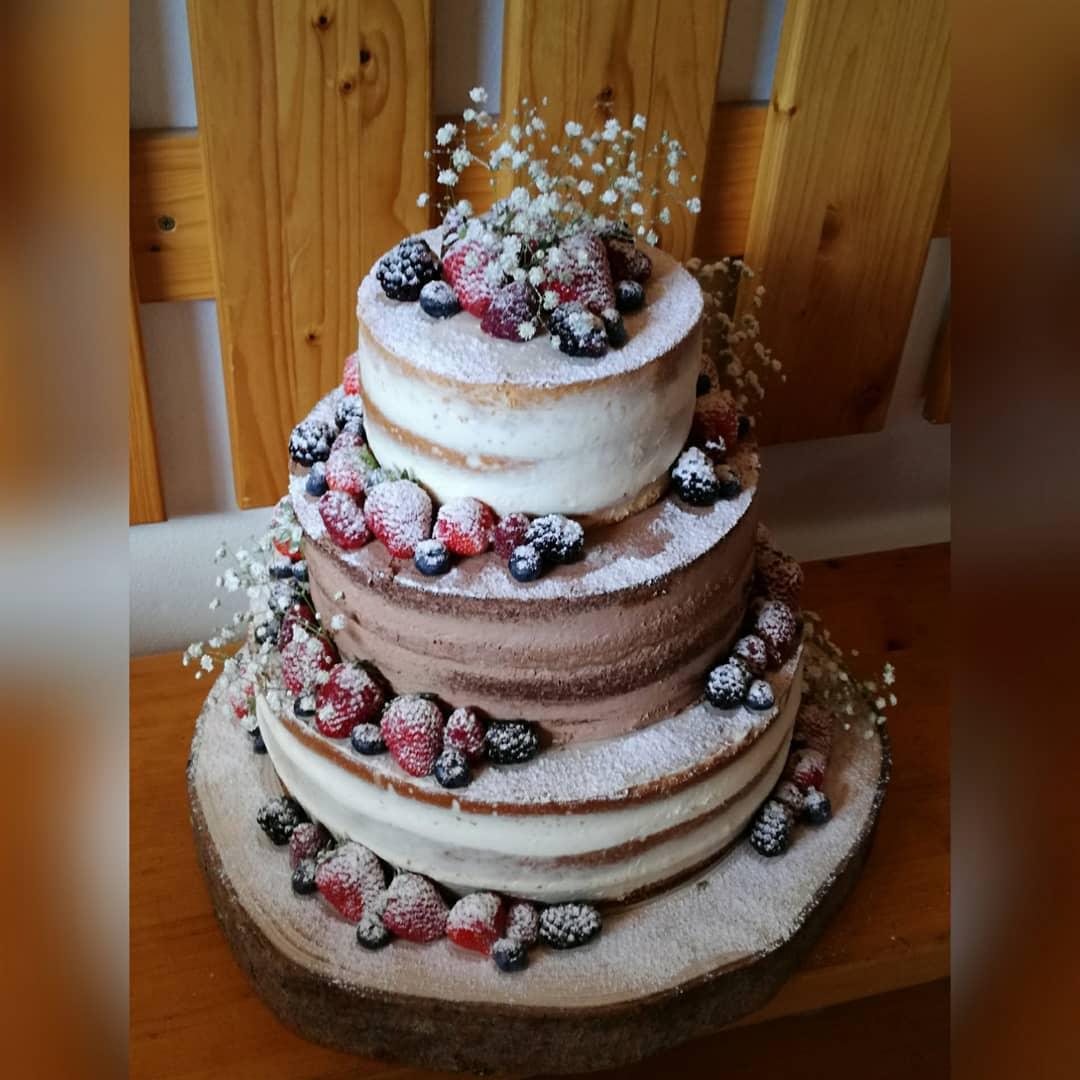 Svatební přípravy - Náš svatební dort, bude vypadat velmi podobně ne-li stejně. Cukrárna Marky dorty Vsetín