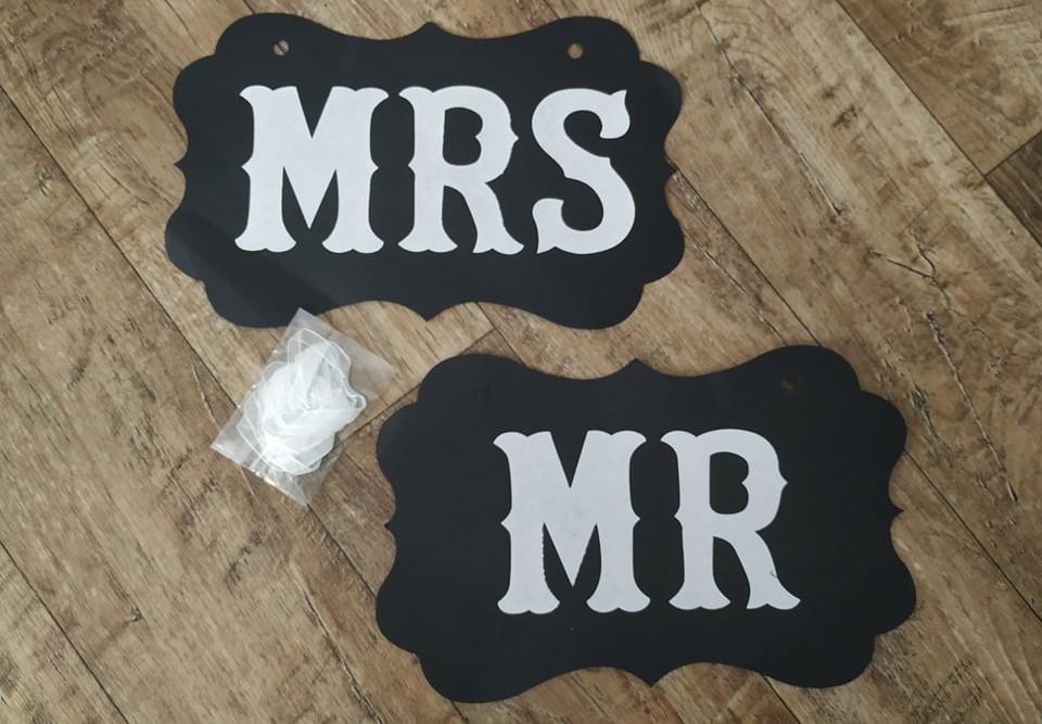 Cedulka Mr and Mrs - Obrázek č. 1