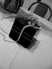 moja krásna korunka a šperky k nej:)