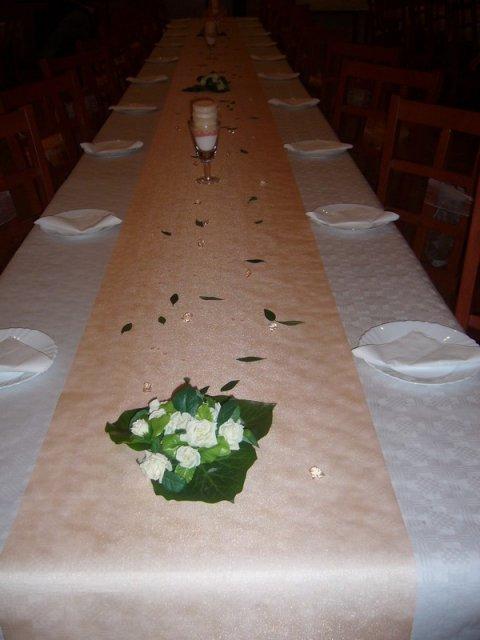 Maťko a Lucka - stoly ale ešte bez prestretia