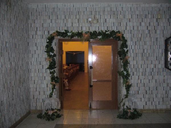 Maťko a Lucka - vchod do sály