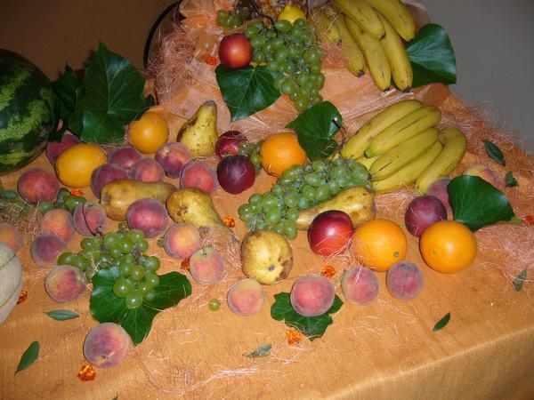 Maťko a Lucka - ovocie:)