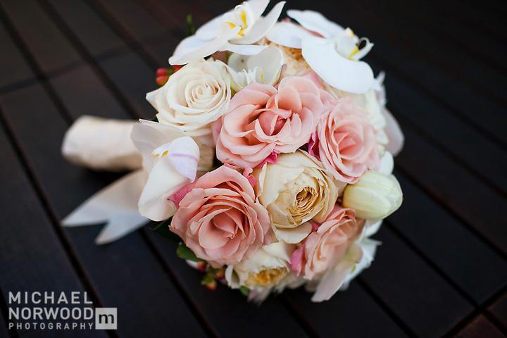 Nezbytné maličkosti :-) - ...nebo růží a jiných drobnýc růžových kvítků....