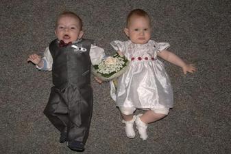 naše princezna jeko družička na svatbě babičky