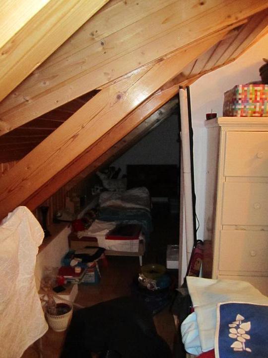 Naše podkroví - pohled z budoucí ložnice do komůrky :)