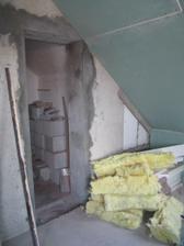 už jsou vybourané dveře do koupelny