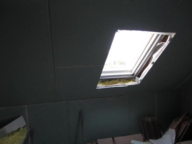 """Naše podkroví - jupííí, už je okno v """"koupelně"""""""